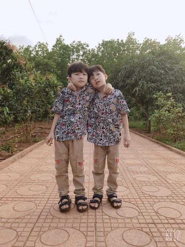Bình Phước: 2 bé trai sinh đôi mất tích bí ẩn để lại xe đạp cách nhà vài trăm mét, cha mẹ thảm thiết cầu cứu-1