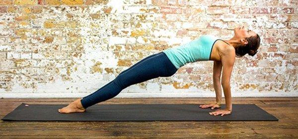 1 phút plank bằng 60 lần gập bụng, nàng hãy áp dụng ngay để nghỉ lễ không lo béo bụng-8