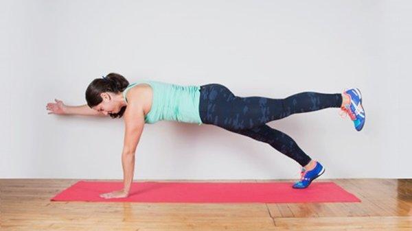 1 phút plank bằng 60 lần gập bụng, nàng hãy áp dụng ngay để nghỉ lễ không lo béo bụng-7