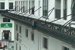 Phát hiện thi thể người đàn ông Hàn Quốc trên lan can chung cư ở Hà Nội-2