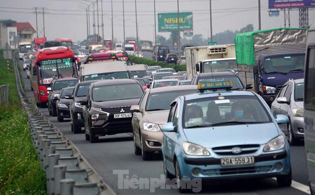 Cao tốc Pháp Vân tê liệt sau kỳ nghỉ lễ dài ngày-1