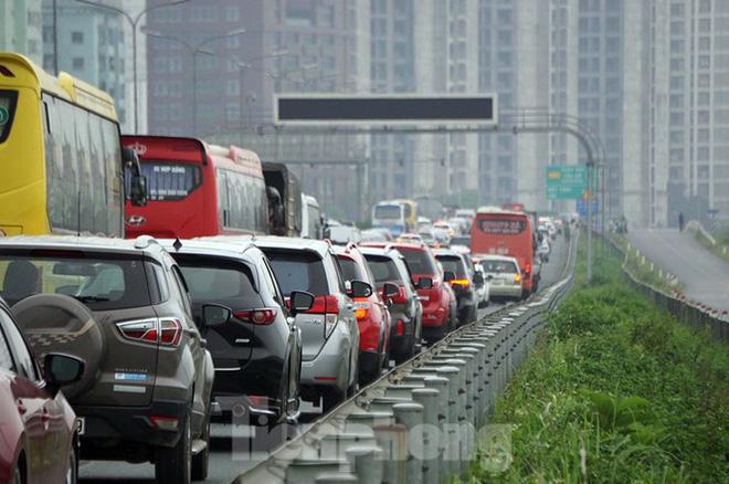 Cao tốc Pháp Vân tê liệt sau kỳ nghỉ lễ dài ngày-10