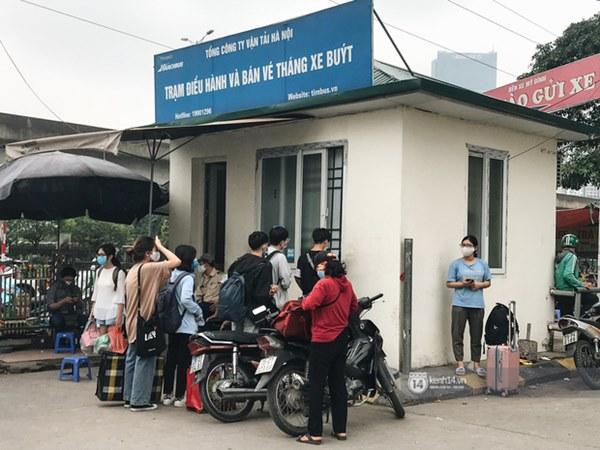 Chùm ảnh sinh viên quay trở lại thành phố học tập, tay xách nách mang hành lý và đồ ăn ngon nhất được cha mẹ gửi gắm-11