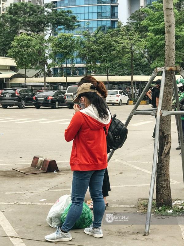 Chùm ảnh sinh viên quay trở lại thành phố học tập, tay xách nách mang hành lý và đồ ăn ngon nhất được cha mẹ gửi gắm-13