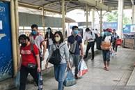 Chùm ảnh sinh viên quay trở lại thành phố học tập, tay xách nách mang hành lý và đồ ăn ngon nhất được cha mẹ gửi gắm