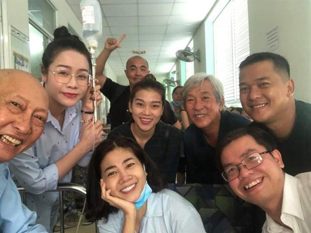 Khoảnh khắc cố diễn viên Lê Bình và Mai Phương 5 năm trước được chia sẻ lại: Họ đều đã ra đi vì ung thư phổi, nhìn nụ cười mà xót xa-4