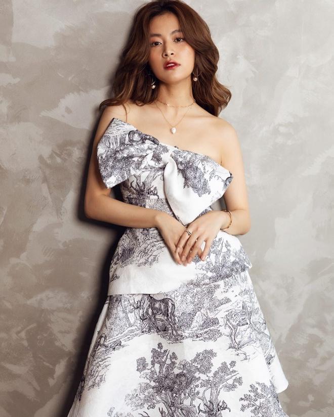 Lan Ngọc diện váy trắng bó sát, Bảo Thy khoe dáng với đồ bơi Gucci-4