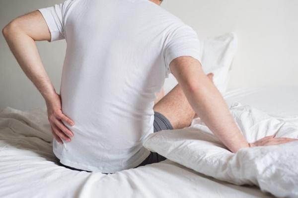 Đau lưng đi kèm 8 dấu hiệu này cơ thể bạn đang gặp nguy, cần đi khám càng sớm càng tốt-3