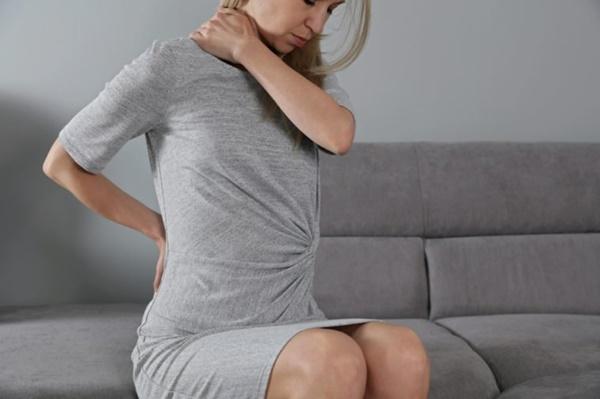Đau lưng đi kèm 8 dấu hiệu này cơ thể bạn đang gặp nguy, cần đi khám càng sớm càng tốt-5