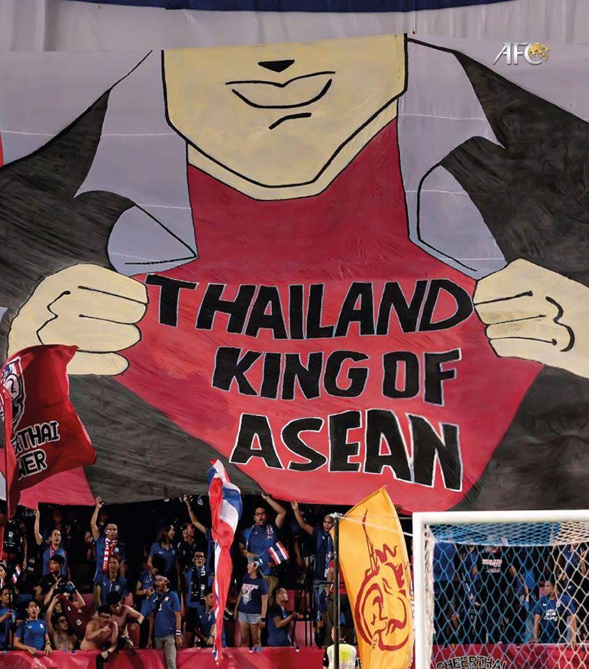 Tranh cãi nảy lửa khi AFC đăng ảnh Thái Lan là ông vua Đông Nam Á: Fan Việt phản bác mạnh mẽ, nhưng lý luận của đối phương lại chỉ ra sự thật đắng lòng-2
