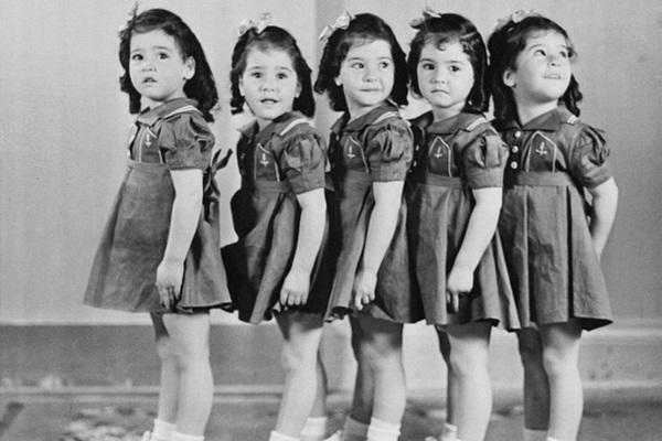 Cuộc đời gian truân của 5 chị em trong ca sinh 5 đầu tiên trên thế giới: Làm trò mua vui cho thiên hạ rồi bị cha đẻ lạm dụng-8