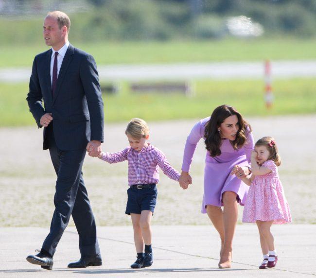 Công chúa nước Anh tròn 5 tuổi: Ở nhà được mẹ dạy cực kỳ tinh tế, đến trường thì thầy cô uốn nắn theo cách đặc biệt như này-3