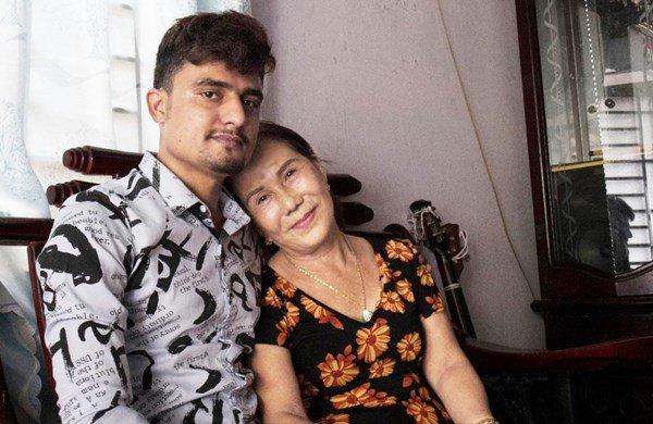 Cô dâu 65 tuổi kết hôn với chồng ngoại quốc 24 tuổi: Thổ lộ nhu cầu chăn gối bất ngờ-2