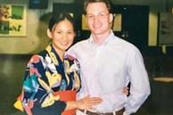 Vợ đại gia nhắc lại chuyện tình 20 năm trước với chồng cũ Hồng Nhung khi cắt tóc cho ông xã