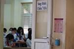 Dân mạng xót xa cảnh thầy cô ngộp thở đeo khẩu trang dạy học-2