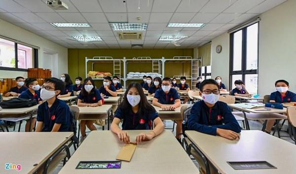 Mối nguy hiểm khi bắt học sinh đeo khẩu trang trong giờ ngủ trưa-3