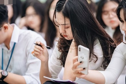 NÓNG: Bộ GD-ĐT công bố đề thi tham khảo kỳ thi tốt nghiệp THPT Quốc gia 2020 tất cả các môn