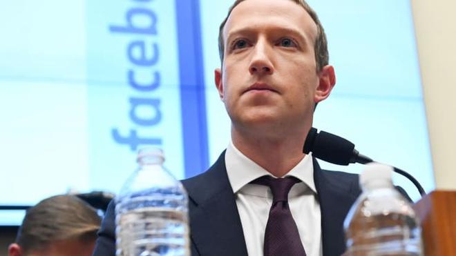 Facebook bắt đầu kiểm soát quyền lực của Mark Zuckerberg-1