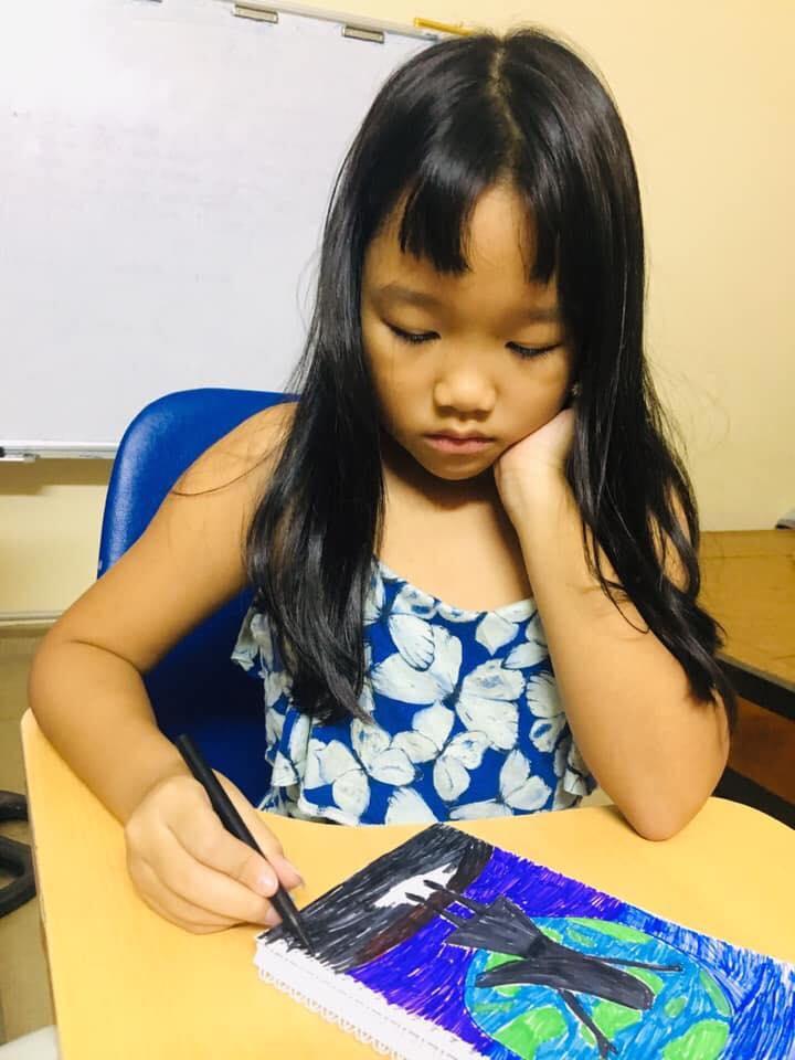 Cậu em lớp 2 viết văn bá đạo hở ra là tố chị đủ đường, nhưng phải đợi đến lúc người mẹ lên tiếng sự thật mới được hé lộ-6
