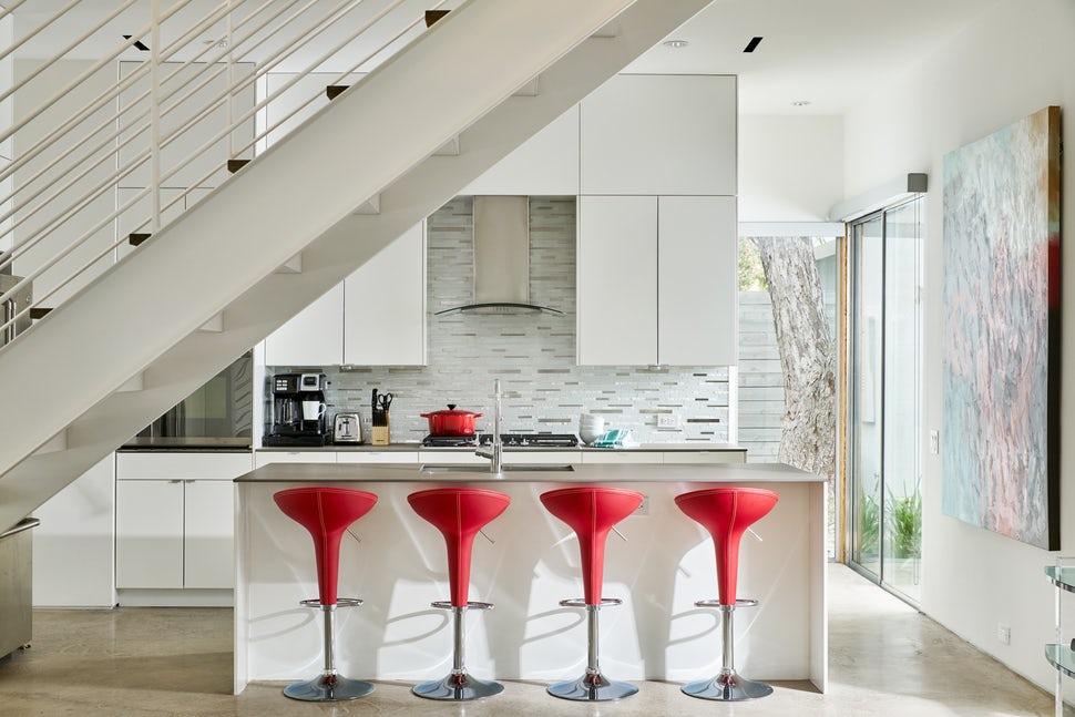 Một bộ ghế sắc màu cho căn bếp gia đình thêm xinh khiến tim ai cũng phải rung rinh-14