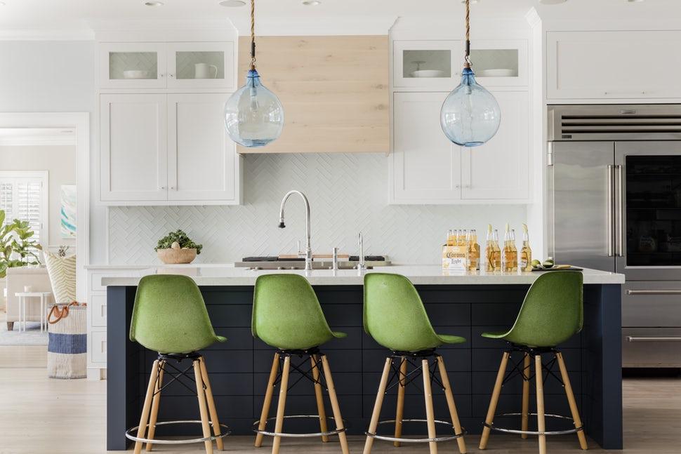 Một bộ ghế sắc màu cho căn bếp gia đình thêm xinh khiến tim ai cũng phải rung rinh-17