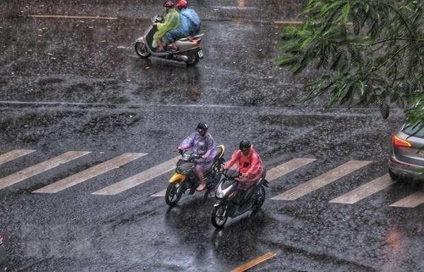 Nắng nóng gay gắt sắp kết thúc ở Bắc Bộ, Hà Nội mưa dông liên tục-1