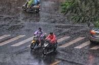 Nắng nóng gay gắt sắp kết thúc ở Bắc Bộ, Hà Nội mưa dông liên tục