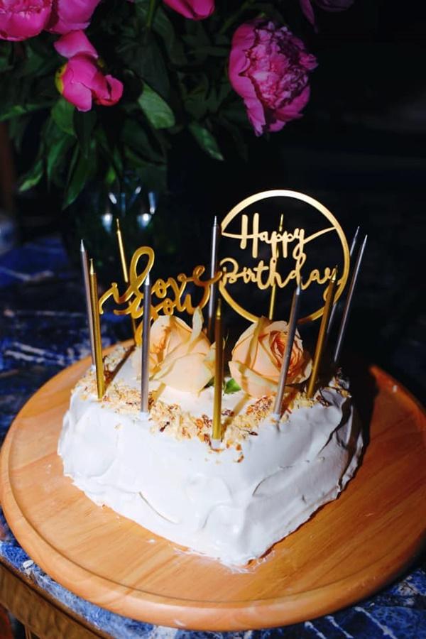 Chiều vợ có số má như Shark Hưng, là doanh nhân có tiếng vẫn tự tay làm bánh sinh nhật cho bà xã, nhìn thành quả ai cũng bất ngờ-4