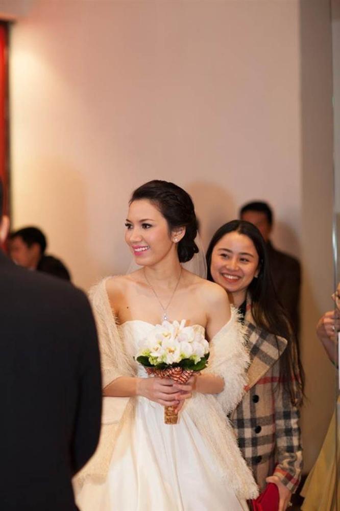 Sắc vóc vợ hai kém 14 tuổi của MC Anh Tuấn thời đi thi Hoa hậu Việt Nam-3