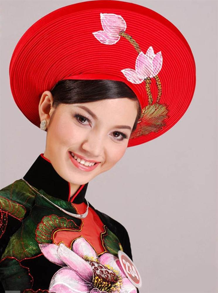 Sắc vóc vợ hai kém 14 tuổi của MC Anh Tuấn thời đi thi Hoa hậu Việt Nam-10