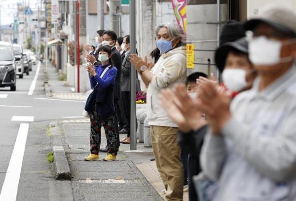 Người bệnh chết gục trên phố giữa làn sóng kỳ thị Covid-19 ở Nhật-3