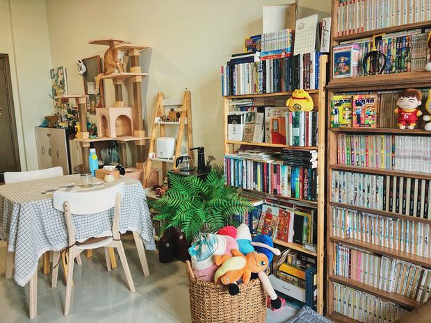 Chàng trai đầu tư 300 triệu decor nhà đi thuê, sở hữu 3000 cuốn sách truyện và vô số đồ đạc nhưng vẫn gọn gàng hết nấc-8