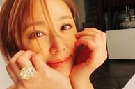 Lâm Tâm Như khoe nhan sắc tuổi 44 nhưng chiếc nhẫn kim cương siêu bự trên tay mới gây chú ý