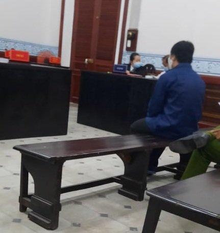 Màn kịch ngáo ngơ trước tòa của kẻ nghiện phim đen hại đời bé gái 6 tuổi-1