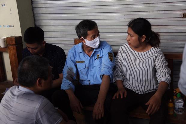 Nổ bình gas kinh hoàng tại nhà hàng gà rán ở phố Cổ, 3 người nguy kịch nhập viện cấp cứu-1