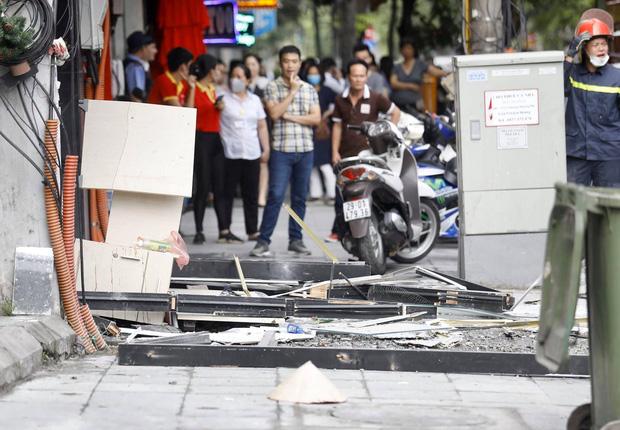 Nổ bình gas kinh hoàng tại nhà hàng gà rán ở phố Cổ, 3 người nguy kịch nhập viện cấp cứu-6