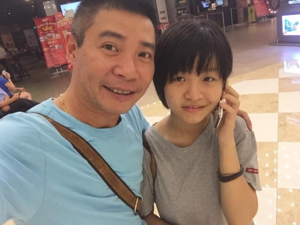 Con gái của Công Lý càng lớn càng xinh đẹp, tương lai thành đồng nghiệp của bố