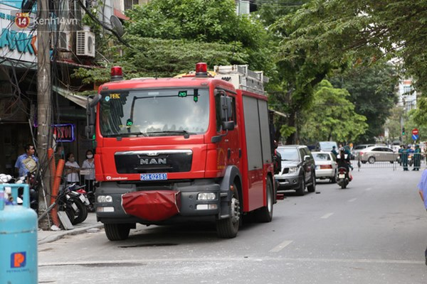 Người dân sống gần hiện trường vụ nổ kinh hoàng tại phố Cổ Hà Nội: Nhà cửa rung chuyển hết, đến giờ tôi vẫn chưa hết sợ hãi-3