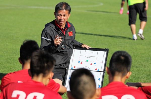 Bầu Đức đã đúng, nhưng quá cô đơn giữa con đường nâng cấp bóng đá Việt Nam-3