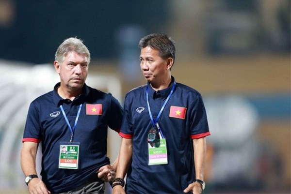 Bầu Đức đã đúng, nhưng quá cô đơn giữa con đường nâng cấp bóng đá Việt Nam-2