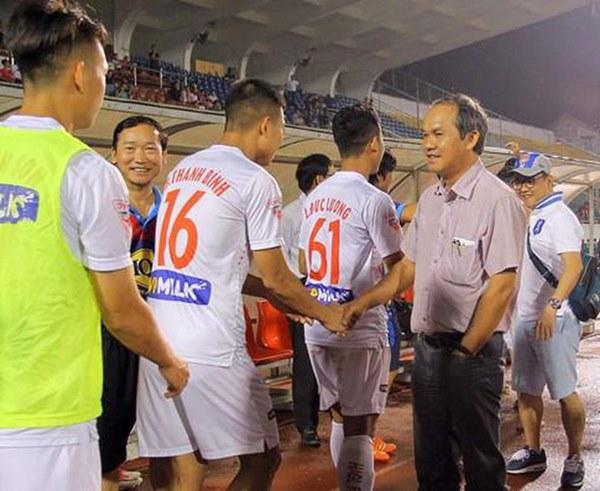 Bầu Đức đã đúng, nhưng quá cô đơn giữa con đường nâng cấp bóng đá Việt Nam-4
