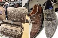 Giày, túi đắt đỏ ở cửa hàng mốc trắng xóa sau 2 tháng nghỉ bán
