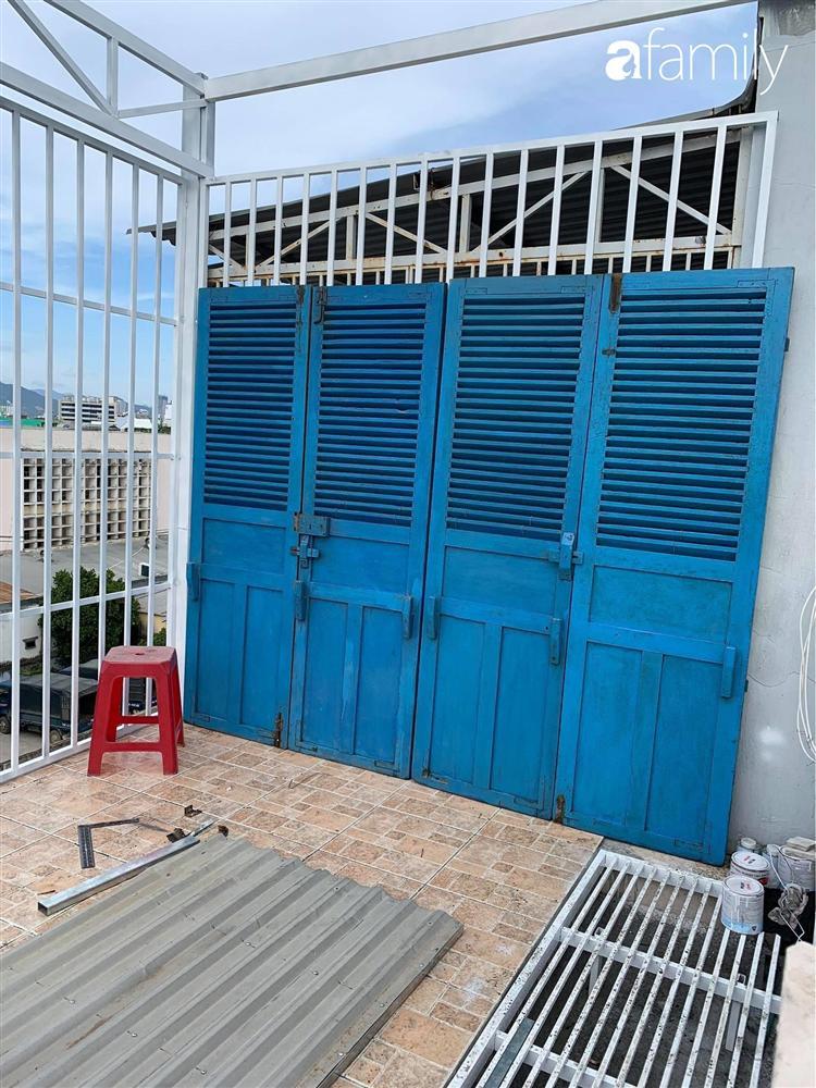 Ghen tị với góc chill rộng thoáng 40m² trên sân thượng tràn ngập hồng ngoại của mẹ đảm tại Nha Trang-6