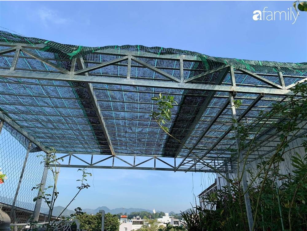 Ghen tị với góc chill rộng thoáng 40m² trên sân thượng tràn ngập hồng ngoại của mẹ đảm tại Nha Trang-8