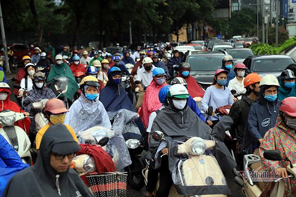 Dự báo thời tiết 13/5, Hà Nội mưa giông, Sài Gòn nắng nóng-1
