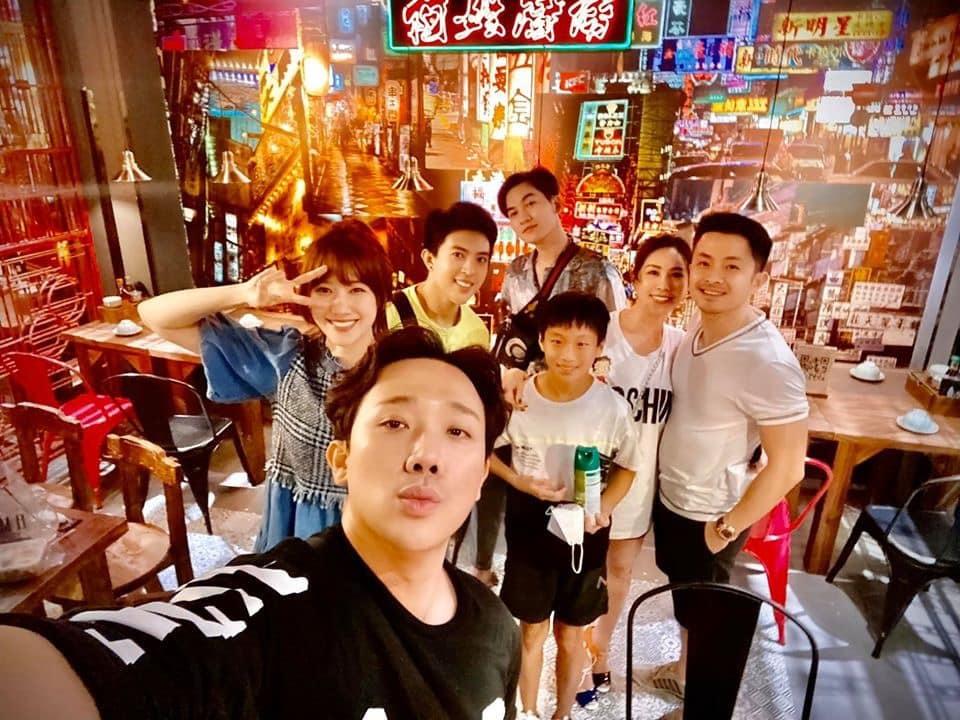 Thu Hoài bị mắng vô duyên khi vặn vẹo Hari Won lỗi chính tả trong status vĩnh biệt NTK Ken Nguyễn-3