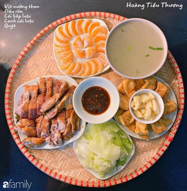 Bà mẹ của 3 cô con gái ở Hà Nội chia sẻ bí quyết đi chợ làm những mâm cơm mẹt đầy đặn giá chỉ 100-150 ngàn đồng cho 6 người ăn thoải mái-4