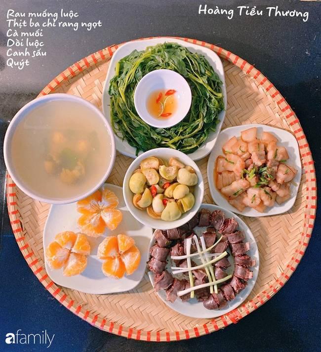 Bà mẹ của 3 cô con gái ở Hà Nội chia sẻ bí quyết đi chợ làm những mâm cơm mẹt đầy đặn giá chỉ 100-150 ngàn đồng cho 6 người ăn thoải mái-11