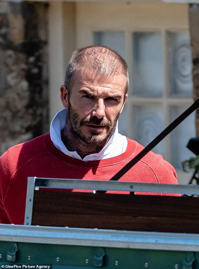 Bất ngờ hình ảnh David Beckham bây giờ già nua, tóc thưa thớt đến thế này-1