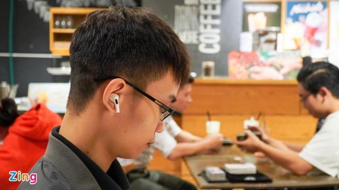 Hãng sản xuất AirPods tại VN mong thành Foxconn mới, gia công iPhone-2